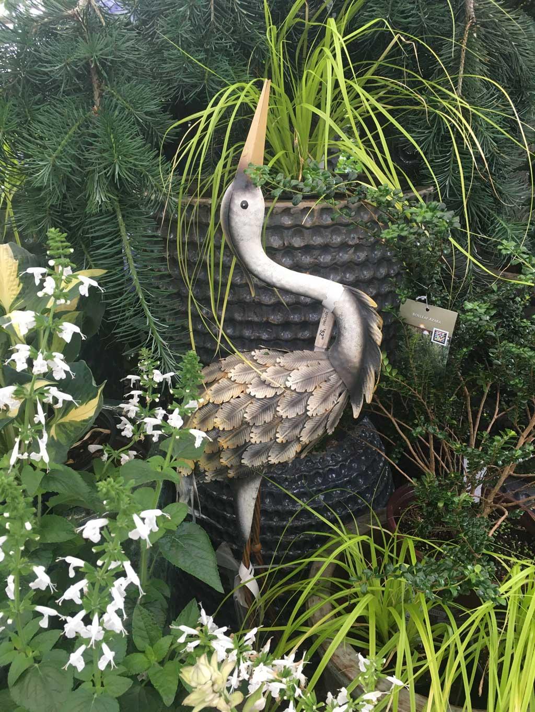 garden art bird