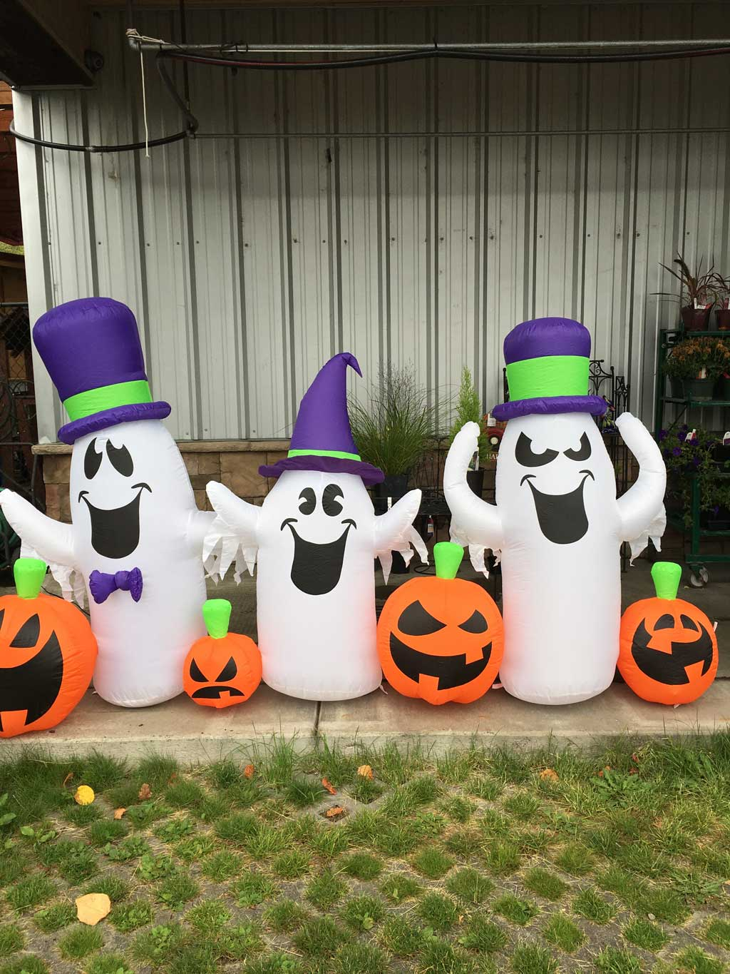 Inflatable Ghosts